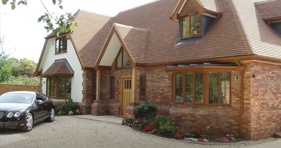 golden-oak-traditional-wooden-alternative-windows