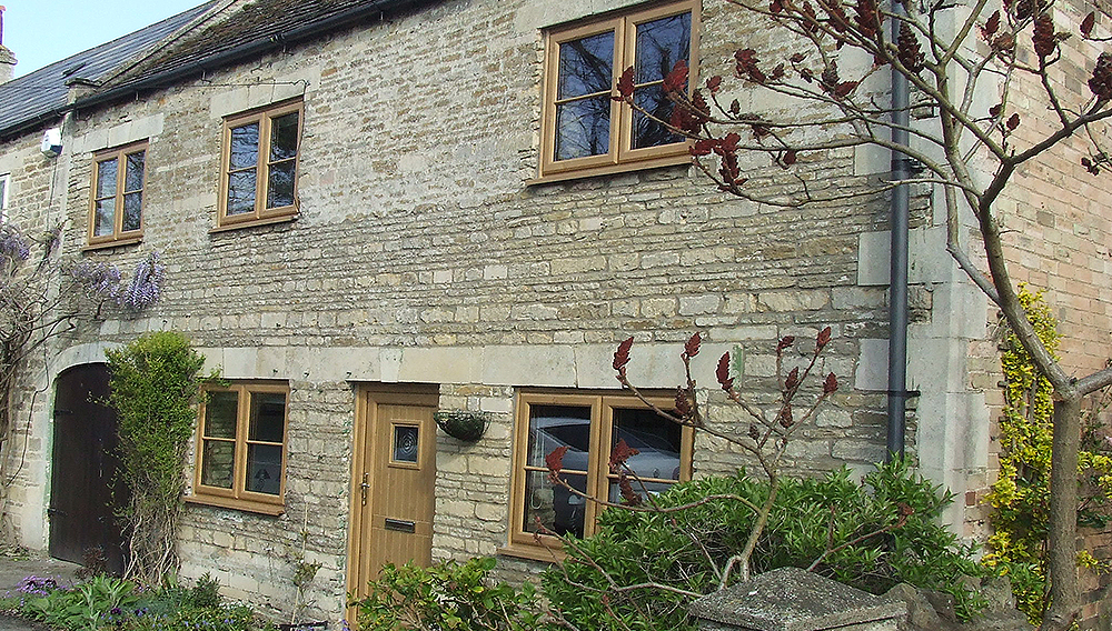 wooden-replacement-windows-in-pvcu